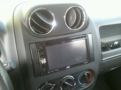 Angle view of JVC KW-AVX740 install in Jeep Patriot